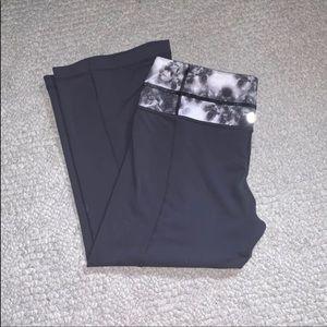 Reversible Lululemon Cropped Yoga Pants